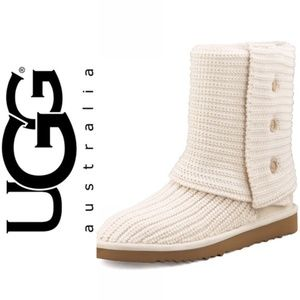 NIB: UGG CLASSIC CARDY BOOT in CREAM (5819)